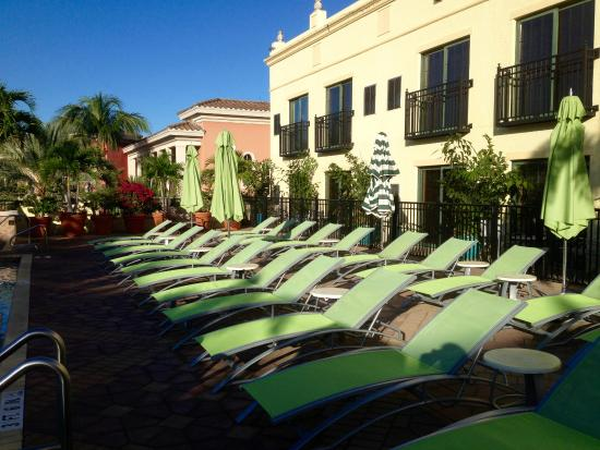 liegen am pool picture of inn on fifth naples tripadvisor. Black Bedroom Furniture Sets. Home Design Ideas