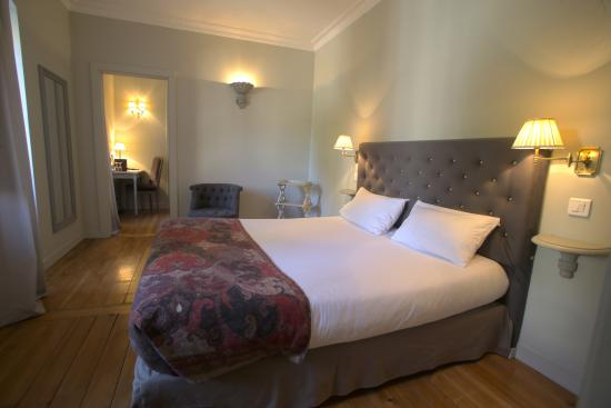 Chambre n 22 picture of hotel le sauvage besancon tripadvisor - Hotel le sauvage besancon france ...