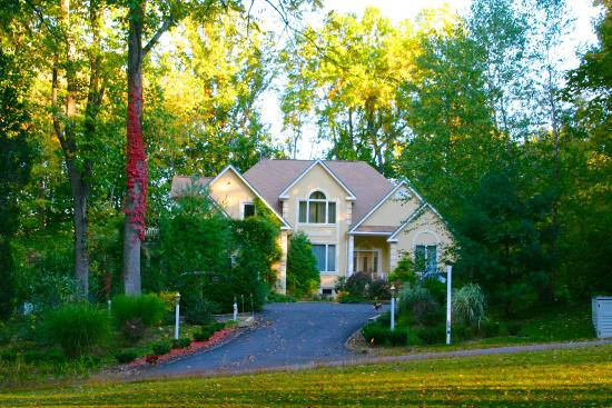 Stroudsburg, PA: Automn in the Cherry Valley Manor
