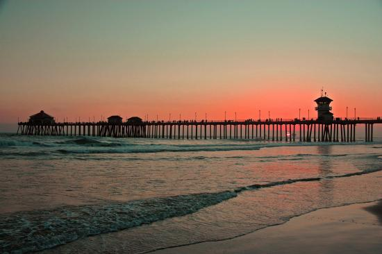 Sunset at the pier picture of huntington beach pier for Huntington beach pier fishing