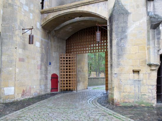 metz porte desallemands cour int rieure picture of porte des allemands metz tripadvisor. Black Bedroom Furniture Sets. Home Design Ideas