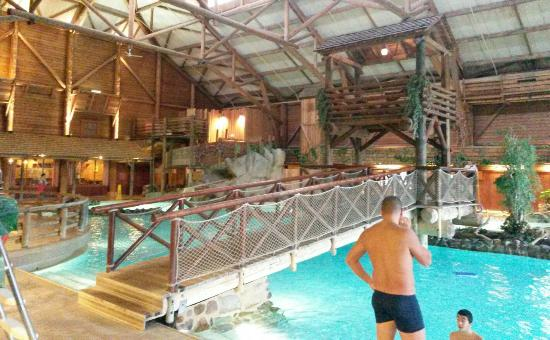 20151129 110146 1 picture of disney 39 s davy for Bailly romainvilliers piscine