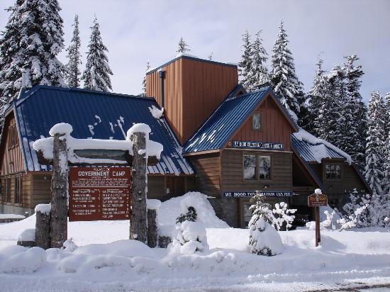 Government Camp, Орегон: Mt. Hood Cultural Center & Museum in winter
