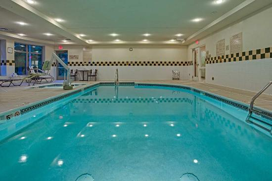 Indoor Pool Picture Of Hilton Garden Inn Cleveland Airport Cleveland Tripadvisor