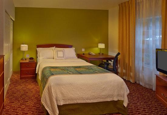 towneplace suites orlando east ucf area two bedroom suite sleeping
