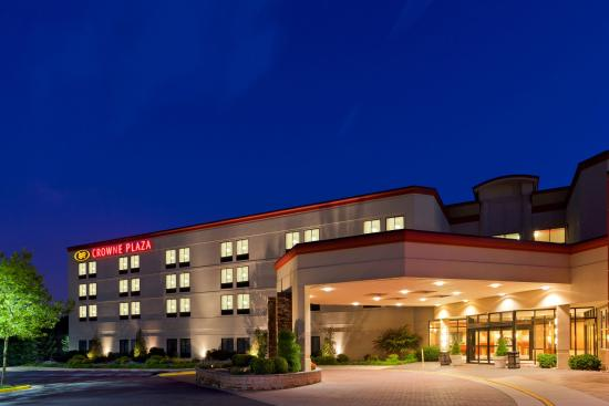 A Lot Of Light At Night Time Picture Of Crowne Plaza Dulles Airport Hotel
