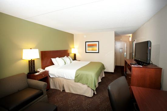 Fairmont, MN: Executive King Room has a King bed, sofa sleeper and work desk.