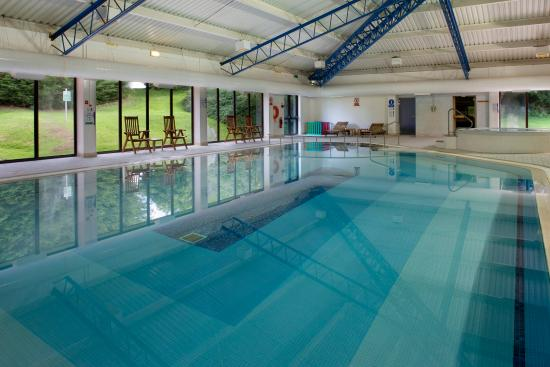 Heated indoor swimming pool picture of holiday inn gloucester cheltenham gloucester for Swimming pools near gloucester