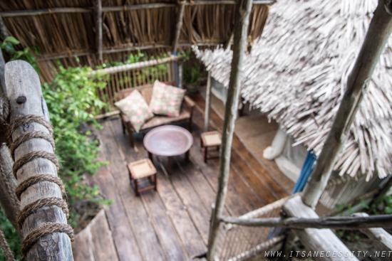 Chole Mjini Lodge: View from our tree house room to the lower tree house room