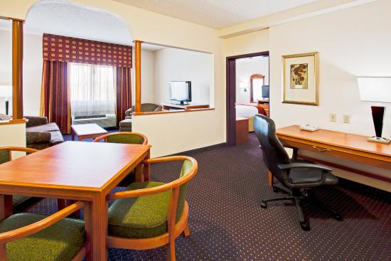 1 Bedroom Suite Picture Of Holiday Inn Express Suites Fort Lauderdale Airport West Davie