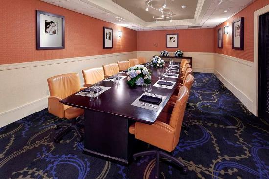 Sixty south private dining room picture of doubletree by for Best private dining rooms orlando