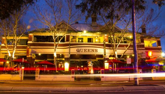The best in perth the queens tavern perth traveller for Best boutique hotels perth