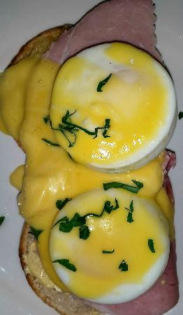 Presteigne, UK: Eggs Benedict