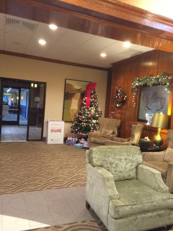 North Haven, CT: Lobby