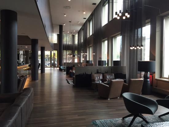 comedor picture of motel one muenchen city sued munich. Black Bedroom Furniture Sets. Home Design Ideas