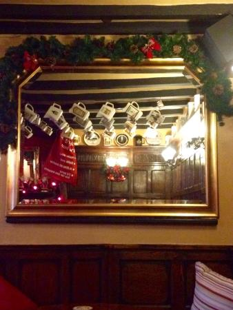 Newton Solney, UK: Brickmakers Arms. Cosy and inviting pub.