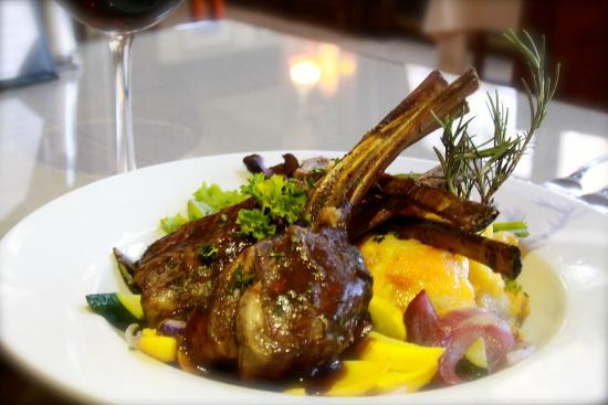 Saddleback Inn: Rack of lamb