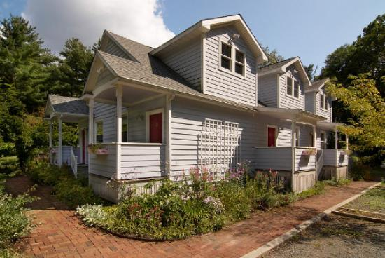 Catskill Rose Lodging & Dining