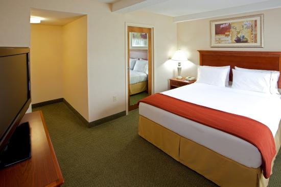 Mechanicsville, VA: King Bed, FREE Full Hot Breakfast included with every room!