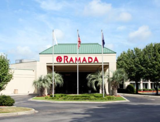 Adequate lodgings review of ramada florence center for Pool show florence sc