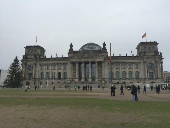 Insider Walking Tour Of Berlin