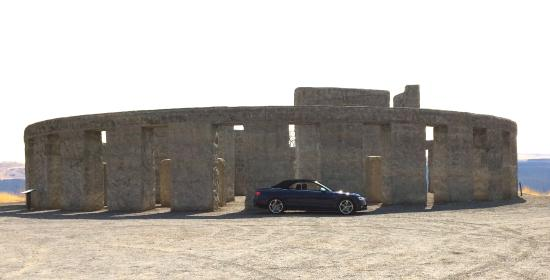 Goldendale, WA: Stonehenge memorial...and our car