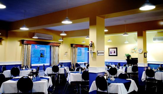 Port aux Basques, Canada: The Captain's Dining Room