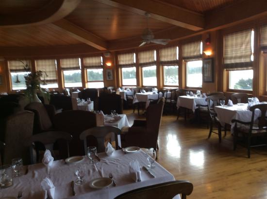 Dalvay, Canada: Lovely dining room with panoramic view