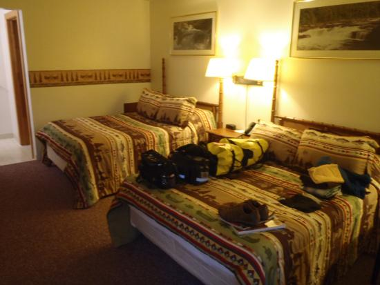Ohiopyle, PA: the room - nothing fancy but quaint and cozy