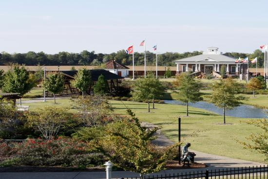 Union City, TN: view from parking lot toward park exhibits
