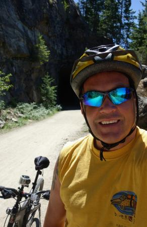 Okanagan Falls, Canada: Heading into one of the tunnels