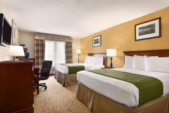 Marion, OH: Two Queen Accessible Guestroom