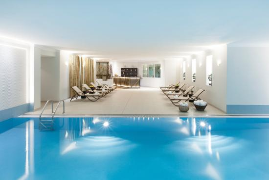 Swimming Pool Picture Of Hotel Crowne Plaza Berlin City Center Berlin Tripadvisor