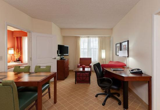 2 Bedroom Suites Phoenix Az Two Bedroom Suite Picture Of Residence Inn Phoenix North Happy