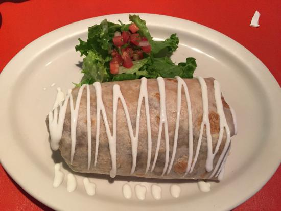 Middletown, CA: Grande No Meat burrito with salad