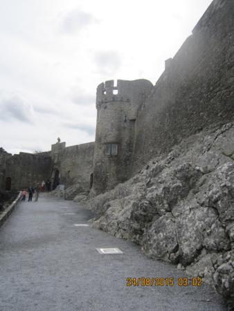 County Tipperary, Ireland: Looking towards the castle entry