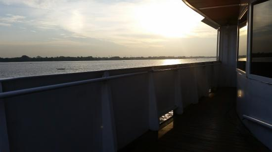 Sunset picture of vintage luxury yacht hotel yangon for Hotel vintage luxury yacht