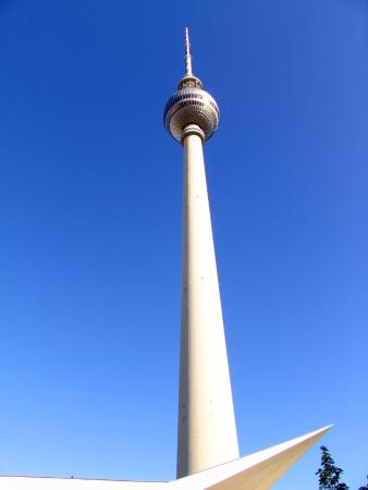 berlin fernsehturm picture of television tower berlin. Black Bedroom Furniture Sets. Home Design Ideas