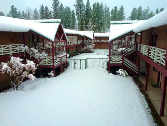 Cascade Inn And Suites