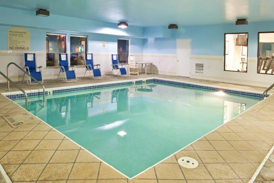 Swimming pool picture of holiday inn express suites circleville circleville tripadvisor Holiday inn hotels with swimming pool