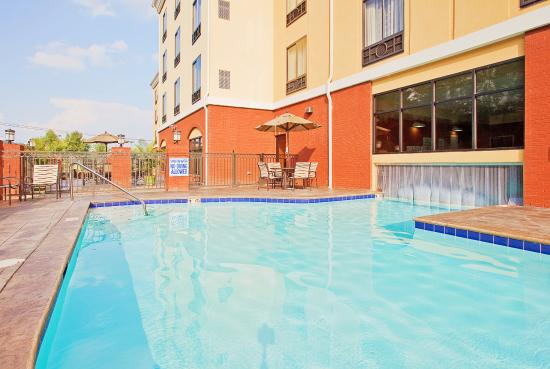 Swimming pool picture of holiday inn express hotel suites knoxville clinton clinton Holiday inn hotels with swimming pool