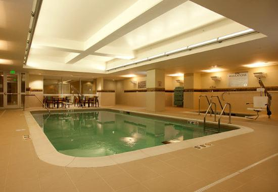 Indoor Pool Whirlpool Picture Of Courtyard By Marriott Lincoln Downtown Lincoln Tripadvisor