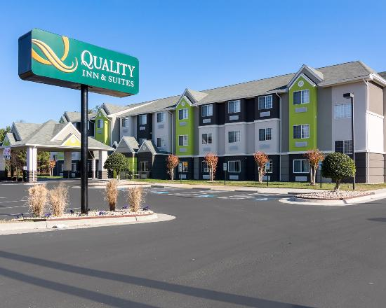 Howard Johnson Inn & Suites/Kings Dominion
