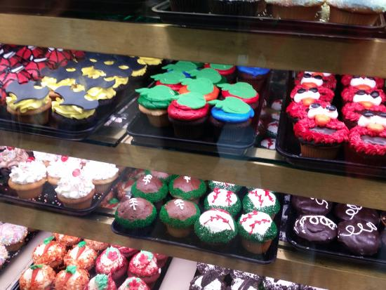 Floral Park, NY: Some of their cupcake creations