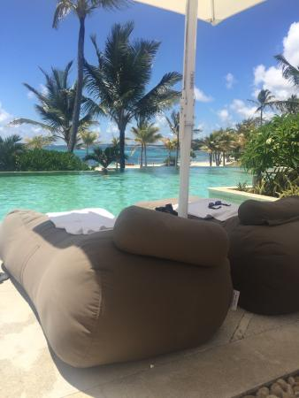 piscine r serv e adultes picture of long beach mauritius belle mare tripadvisor. Black Bedroom Furniture Sets. Home Design Ideas