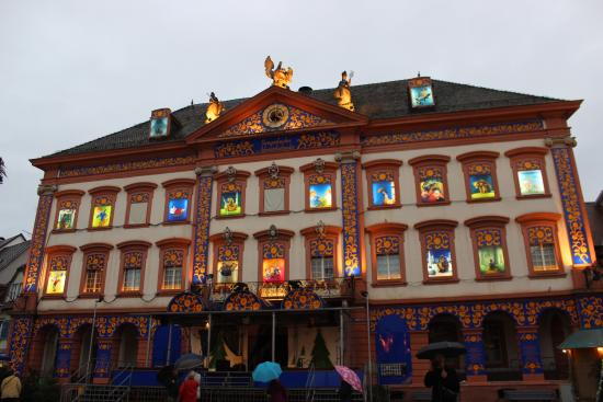 stimmungsvoller adventskalender auch im regen picture of gengenbach town hall gengenbach. Black Bedroom Furniture Sets. Home Design Ideas