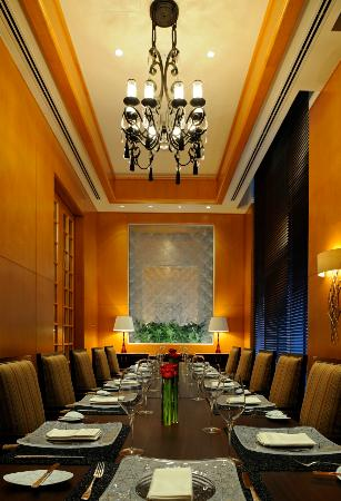 Private dining room picture of center cut dubai for Best private dining rooms dubai