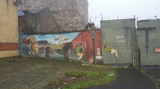 20151227 095355 picture of west belfast mural for Belfast mural tours