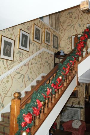 Veryan, UK: Decorations on the main staircase
