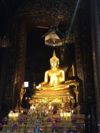 photo1.jpg - Picture of Wat Bowonniwet Vihara, Bangkok - TripAdvisor